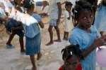 Американцы вывозят детей с Гаити