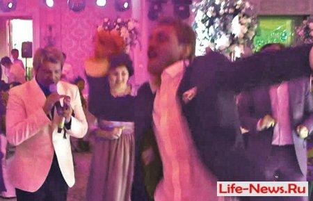 Анастейша спела на свадьбе олигарха за $1 000 000