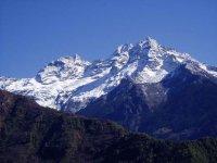 В Гималаях трагически погиб известный всему миру российский альпинист Валерий Попов
