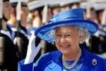 Доходы Королевы Великобритании заморожены до 2015 года