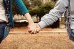 Сила и нежность в жизни людей дополняют друг друга.