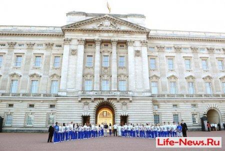 Прибытие Олимпийского огня в Букингемский дворец