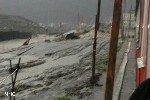 Недалеко от Сочи разлившаяся горная речка размыла дамбу, под угрозой оказался городок строителей олимпийских комплексов
