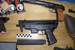 Адвокат из Первоуральска и его сын получили сроки за торговлю оружием