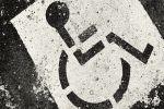 Ребенок, искалеченный аниматором на Крите, может остаться инвалидом
