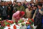 В Славянске хоронят погибших, Киев готовится к новой фазе спецоперации