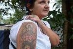 За татуировку в виде Будды и лотоса жительницу Британии депортируют со Шри-Ланки