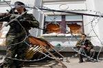 Украинские боевики расстреливают солдат-срочников
