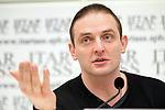 Аскольду Запашному провели операцию на позвоночнике