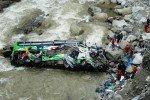 На севере Индии во время падения в реку автобуса погибли 13 российских граждан