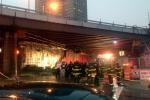 В Нью-Йорке произошло частичное обрушение Бруклинского моста