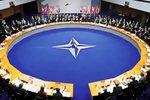 НАТО приняло решение об обеспечении постоянного военного присутствия около российских границ