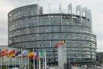 Европарламент предлагает исключить Россию из SWIFT