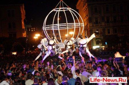 «Золотая Карусель» уличных театров в Коломне