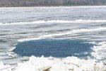 Мужчина спас первоклашку, провалившуюся под лед