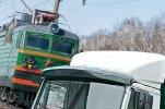 В Свердловской области МАЗ выехал на железнодорожный переезд и столкнулся с поездом
