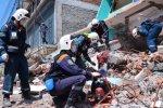 Российские спасатели в Непале помогли 180 пострадавшим