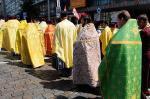 Священники Украинской православной церкви покидают Украину