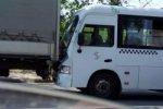 В Ростове маршрутка «догнала» грузовик, есть пострадавшие