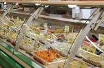 В Сургуте произошло массовое пищевое отравление, как предполагается, салатами из гипермаркета