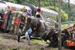 В Белгородской области КАМАЗ столкнулся с локомотивом пассажирского поезда, есть пострадавшие