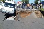 В Ульяновске на проезжей части проспекта образовался огромный провал