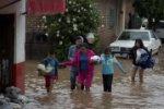 Азию трясет, в Мексике ураган