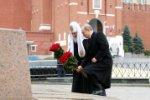 Президент России Владимир Путин возложил цветы к памятнику Минину и Пожарскому