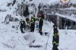 Поисково-спасательные работы на месте отеля Rigopiano продолжаются