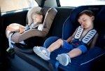 Дошкольников запрещено оставлять одних в машине