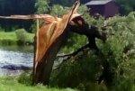 Ураганный ветер разрушил дома в селе недалеко от Уфы