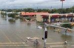 """Ураган """"Харви"""" хозяйничает в Хьюстоне"""