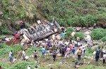В Индии в пропасть упал пассажирский автобус, жертв очень много