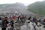 Число погибших от наводнений и оползней в Непале растет
