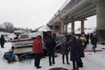 В Забайкалье с моста на лед замерзшей реки упал автобус, имеется много жертв